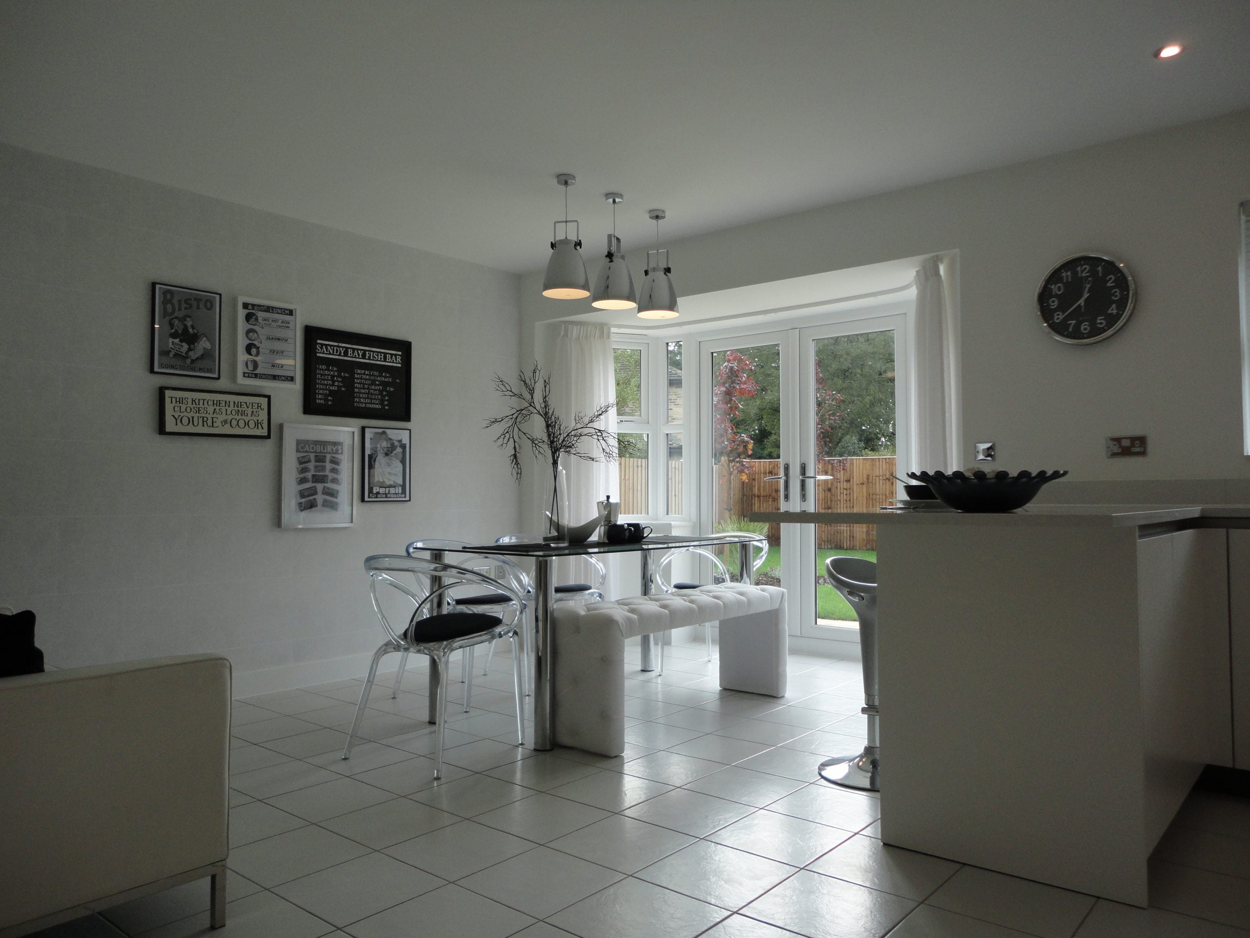 Kitchen/dining/family area