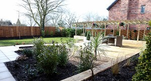 SED_CP_Oakworth_show-home-decking_IMG_8450-1-300x160