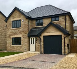 4 bed home in Salterforth