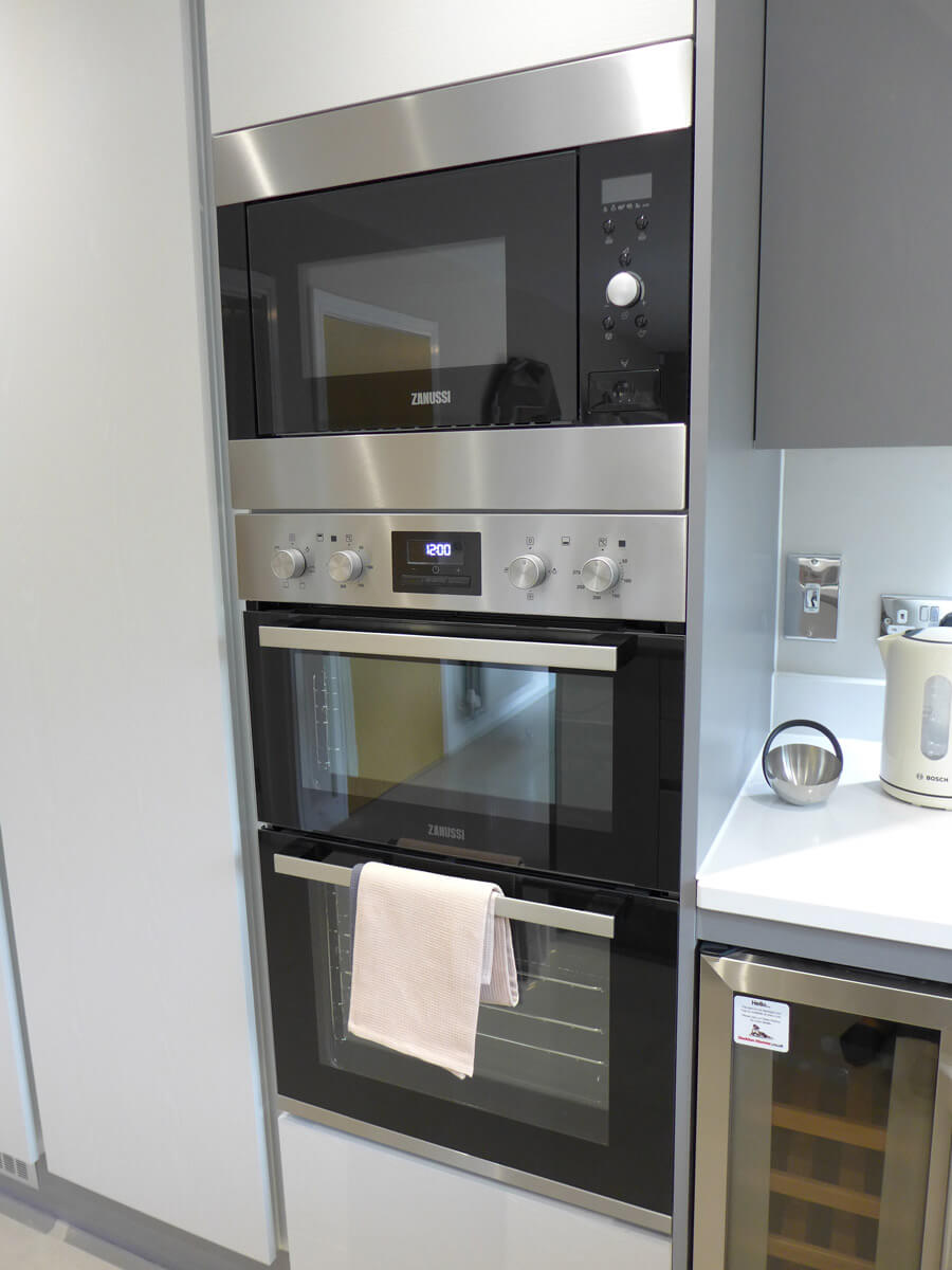Double electric oven feature in kitchen